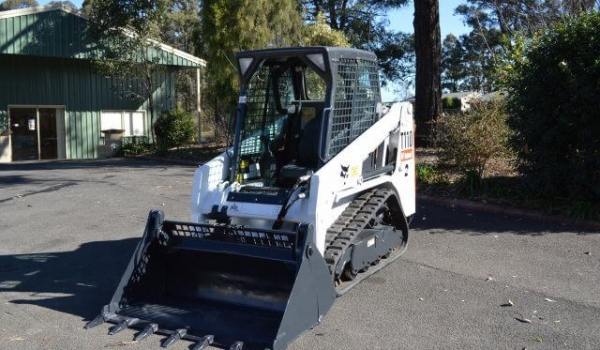 2.5 Tonne (Tracked) Posi-Track Loaders